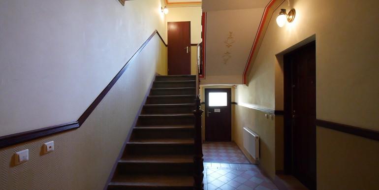 ns-e15-treppenaufgang-210514