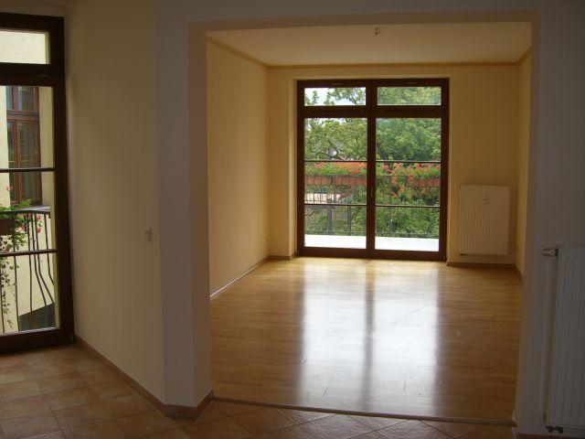 Ruhige Wohnung in der Fußgängerzone mit Balkon und EBK