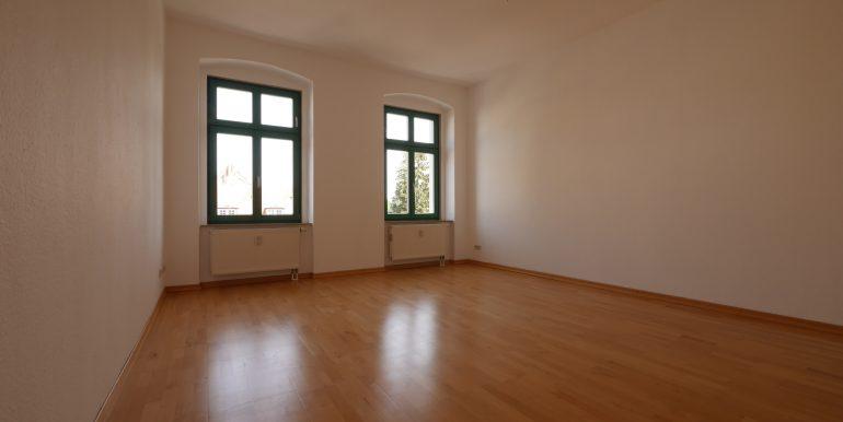b4-3ogli-Wohnzimmer