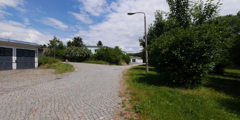 fes4345-zufahrt-zu-den-hallen