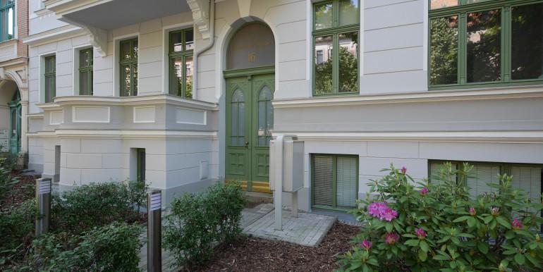 if-bi16-eingang-vorgarten-230514