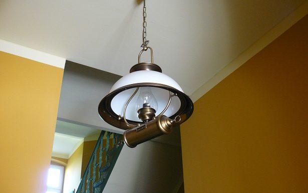 iss-ck-lu20-treppenhauslampe